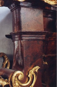Franz-Xaver Seitenaltar Zustand vor der Restaurierung.
