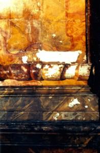 St. Joseph Seitenaltar Zustand während der Restaurierung.
