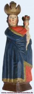 Geschnitzte und gefasste Madonna Skulptur nach der Restaurierung